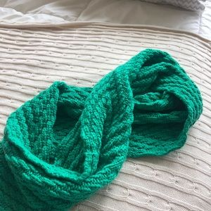 Gap Green infinity scarf